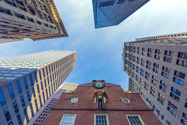 ボストン市のダウンタウンの高層ビル Premium写真