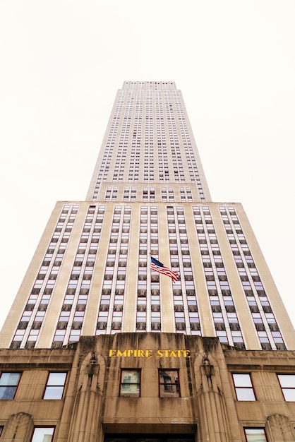Tall highrise empire state building in new york Free Photo