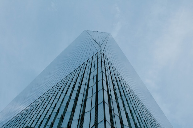 Tall skyscraper in nyc Free Photo