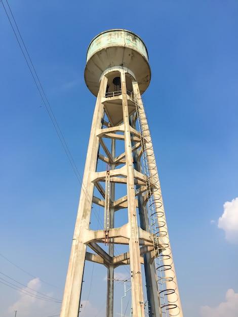 Tank of water Premium Photo