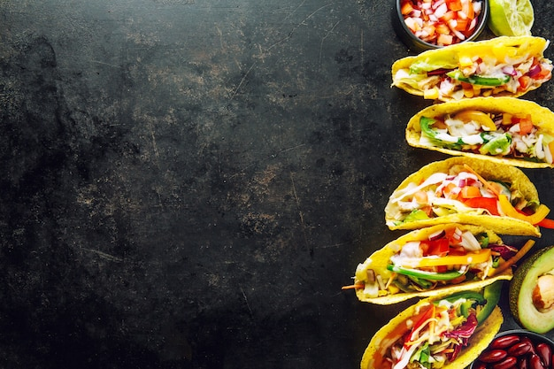 Tasty appetizing tacos with vegetables Premium Photo