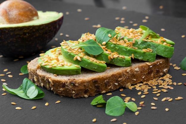 Tasty avocado sandwich Premium Photo