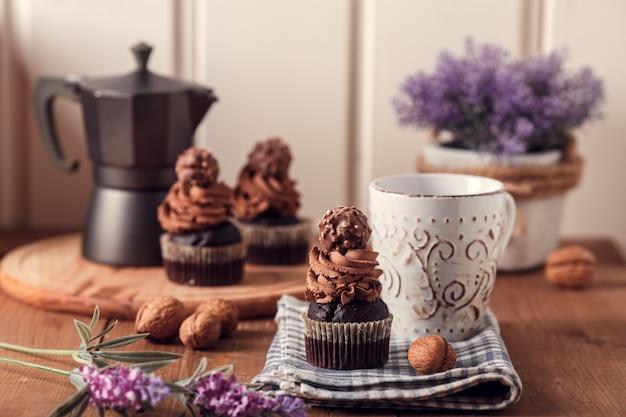 Tasty chocolate cupcakes. Premium Photo