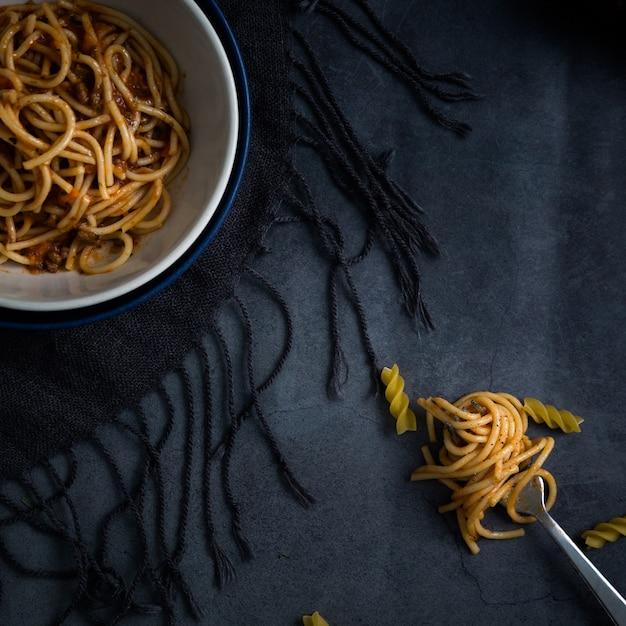 ボウルにおいしいスパゲッティレシピ 無料写真
