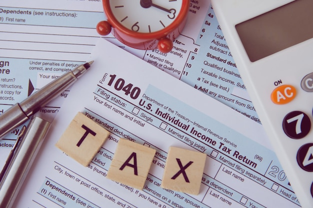 Taxes and forms Premium Photo