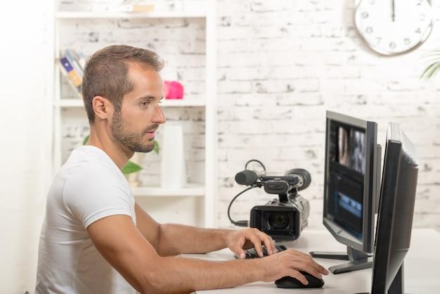 Technician video editor Premium Photo