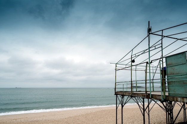 Temporary building by the sea Premium Photo