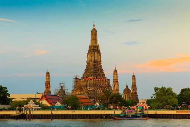 Thai buddha temple Premium Photo