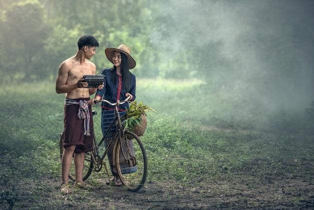 Thai couple farmer Premium Photo