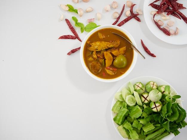 Thai fish organs sour soup and vegetables Premium Photo