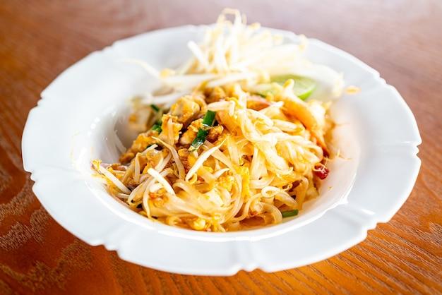 タイ風麺 Premium写真