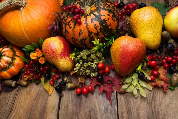 カボチャと梨の感謝祭の手配 Premium写真