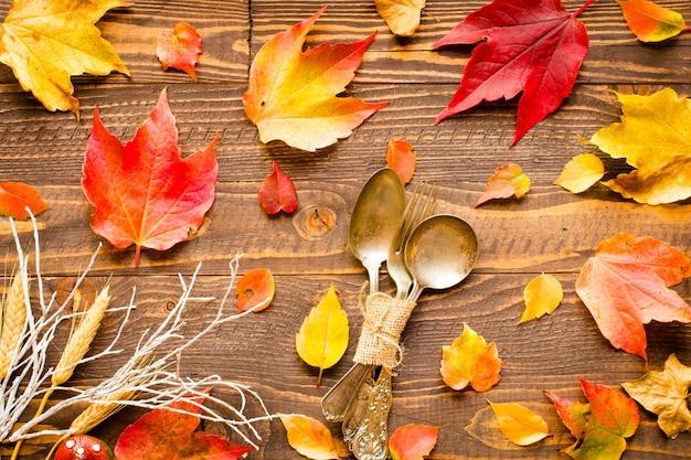 День благодарения осенние листья фон Premium Фотографии