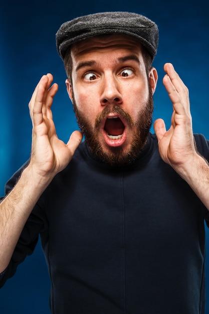 Гнев и крик человека Бесплатные Фотографии