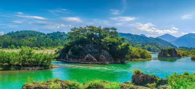 Красивые природные пейзажи реки наньси в вэньчжоу, китай Premium Фотографии