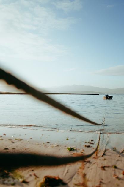 弦の終わりのボート Premium写真