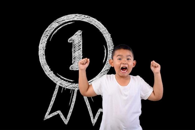 少年は、すべての勝利番号1を表します。 無料写真