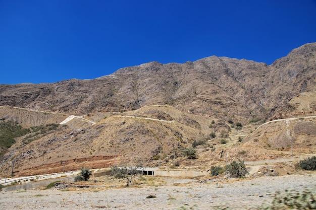 アシール地域の峡谷、視点からの眺め、サウジアラビア Premium写真