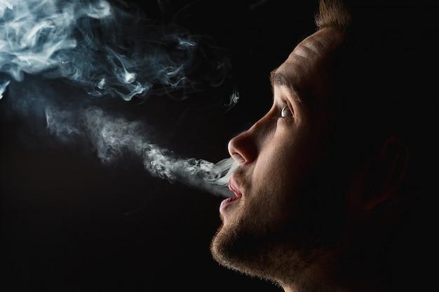 Лицо парящего молодого человека Бесплатные Фотографии