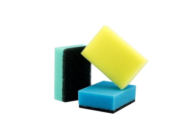 Пенная губка для мытья посуды изолированная Premium Фотографии