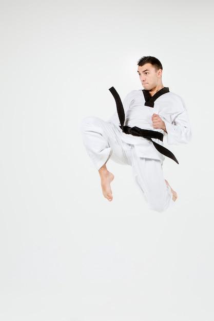 Каратэ человек с черным поясом Бесплатные Фотографии