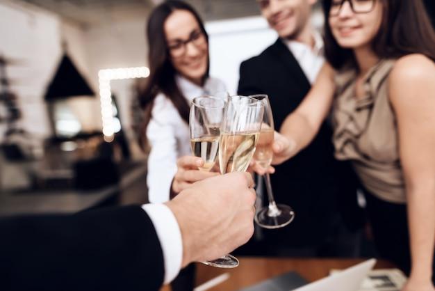They celebrate a successful project Premium Photo