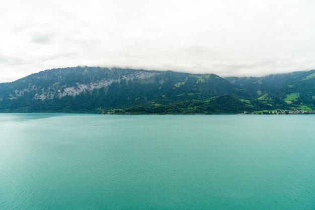 Thun lake with cloudy Premium Photo