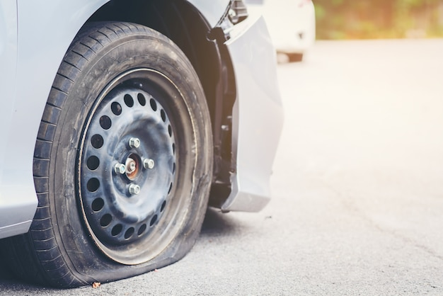 Tire deterioration is the cause of the accident Premium Photo