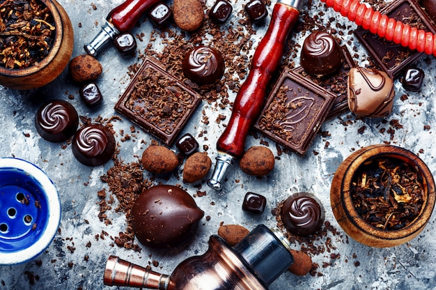 Tobacco shisha with chocolate flavor Premium Photo