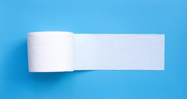 Туалетная бумага. копировать пространство Premium Фотографии