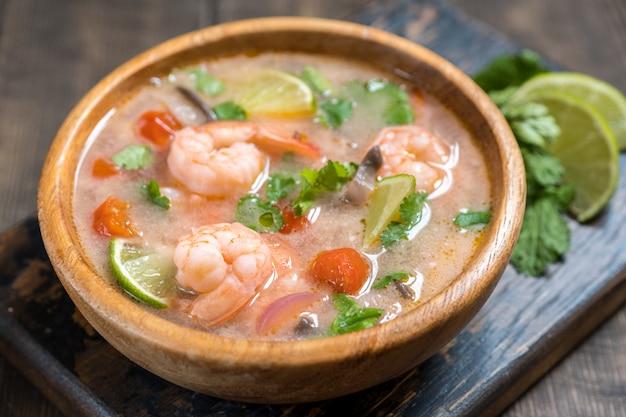 Tom yam kong soup. thai food. Premium Photo
