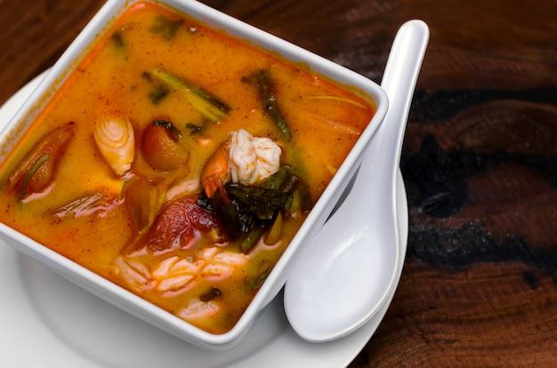 Tom yam kung. thai cuisine. Premium Photo
