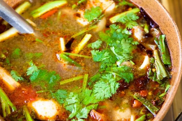 Пряный tom yum суп с креветками Бесплатные Фотографии