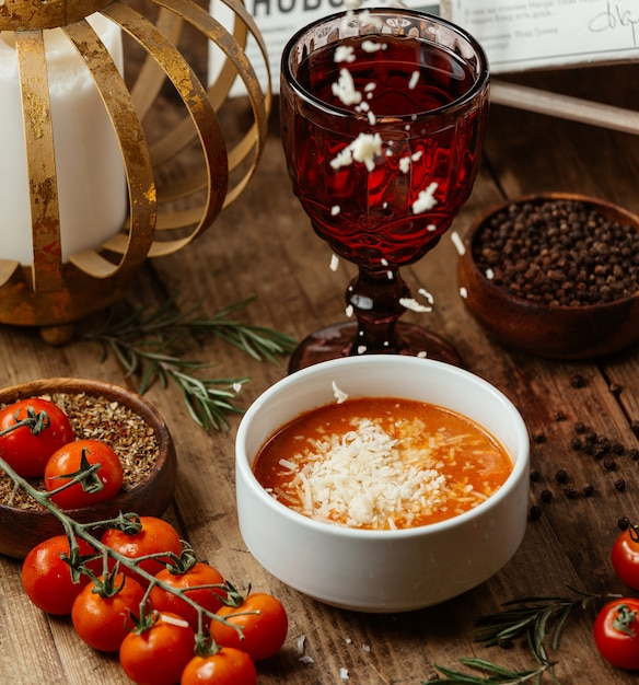 Tomato soup with cheese Free Photo