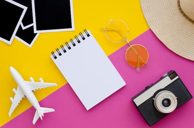 Инструменты подготовлены для летних путешествий Бесплатные Фотографии