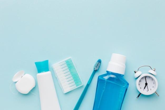Tooth paste and mouth wash Premium Photo