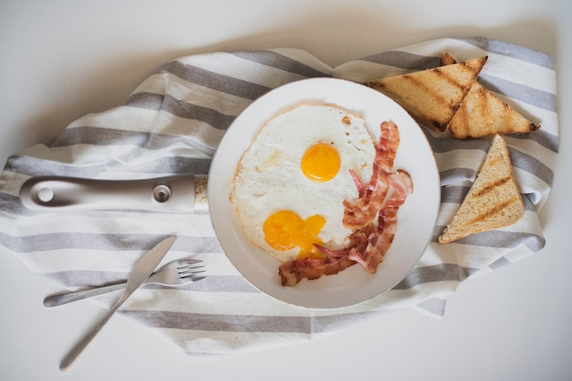 Top view american breakfast dish Free Photo