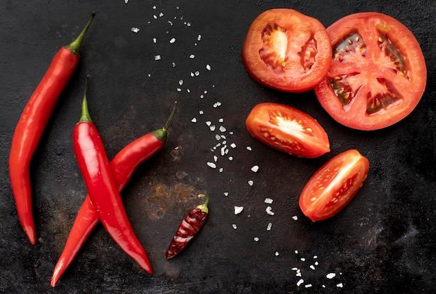 Композиция из вкусных свежих овощей вид сверху Бесплатные Фотографии