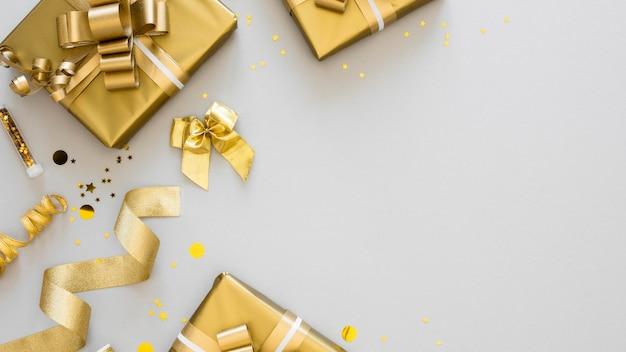 Расположение упакованных подарков сверху с копией пространства Бесплатные Фотографии