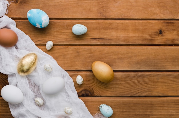 Top view of assortment of easter eggs with copy space Free Photo