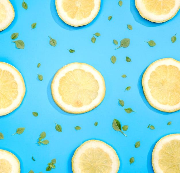Top view assortment of lemon slices Free Photo