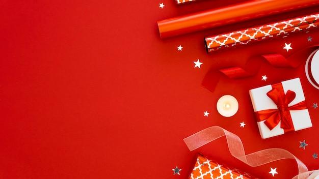 복사 공간 축제 포장 선물의 상위 뷰 구색 프리미엄 사진