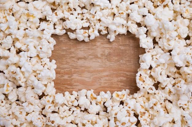 Вид сверху ассортимент свежей попкорна Premium Фотографии