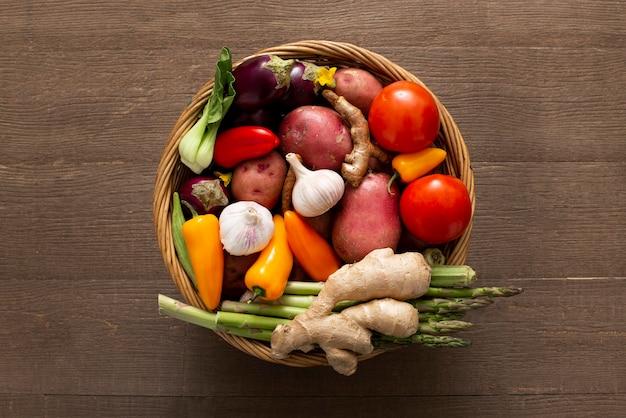Корзина с овощами, вид сверху Бесплатные Фотографии