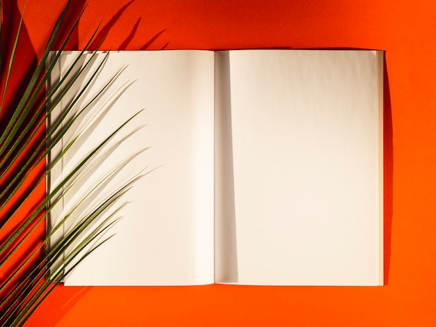 Top view blank papers on a red background Free Photo