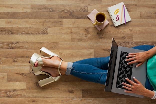 Top view blogger at home working Free Photo