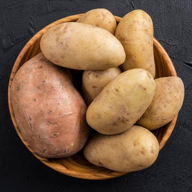 Вид сверху чаша с картофелем Бесплатные Фотографии
