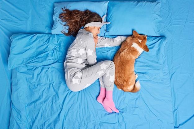 dormir na cama