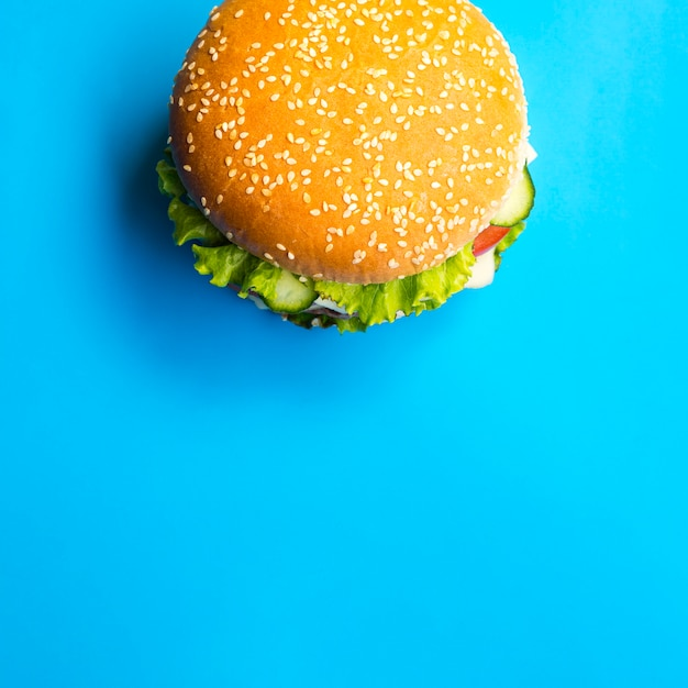 Top view burger with copy space Free Photo