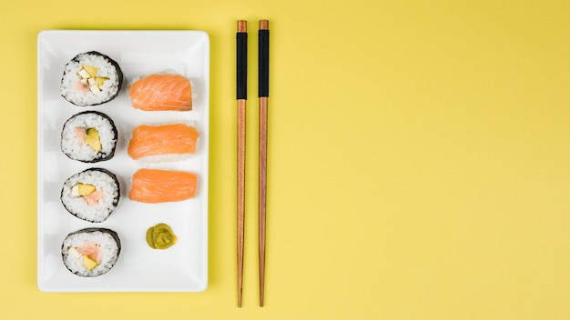 Top view of california rolls and nigiris Free Photo